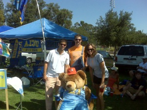 "Vol fans steal a picture with UCLA tailback Craig Shepard before getting back to ""crazy"" Bruin tailgate."